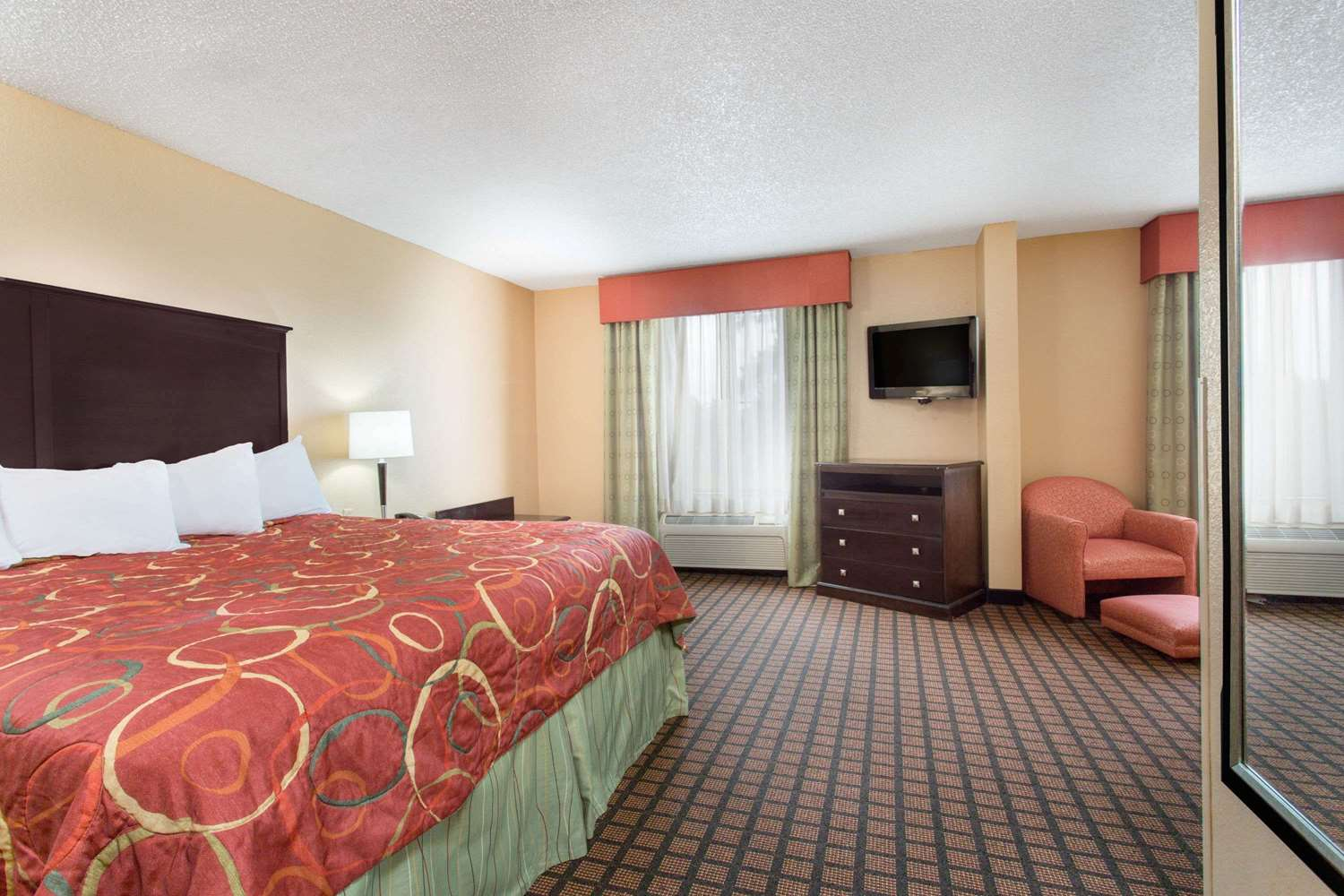 Suite - Super 8 Hotel Texarkana