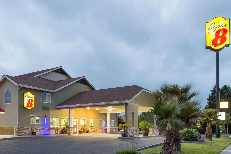 Exterior view - Super 8 Hotel Fortuna