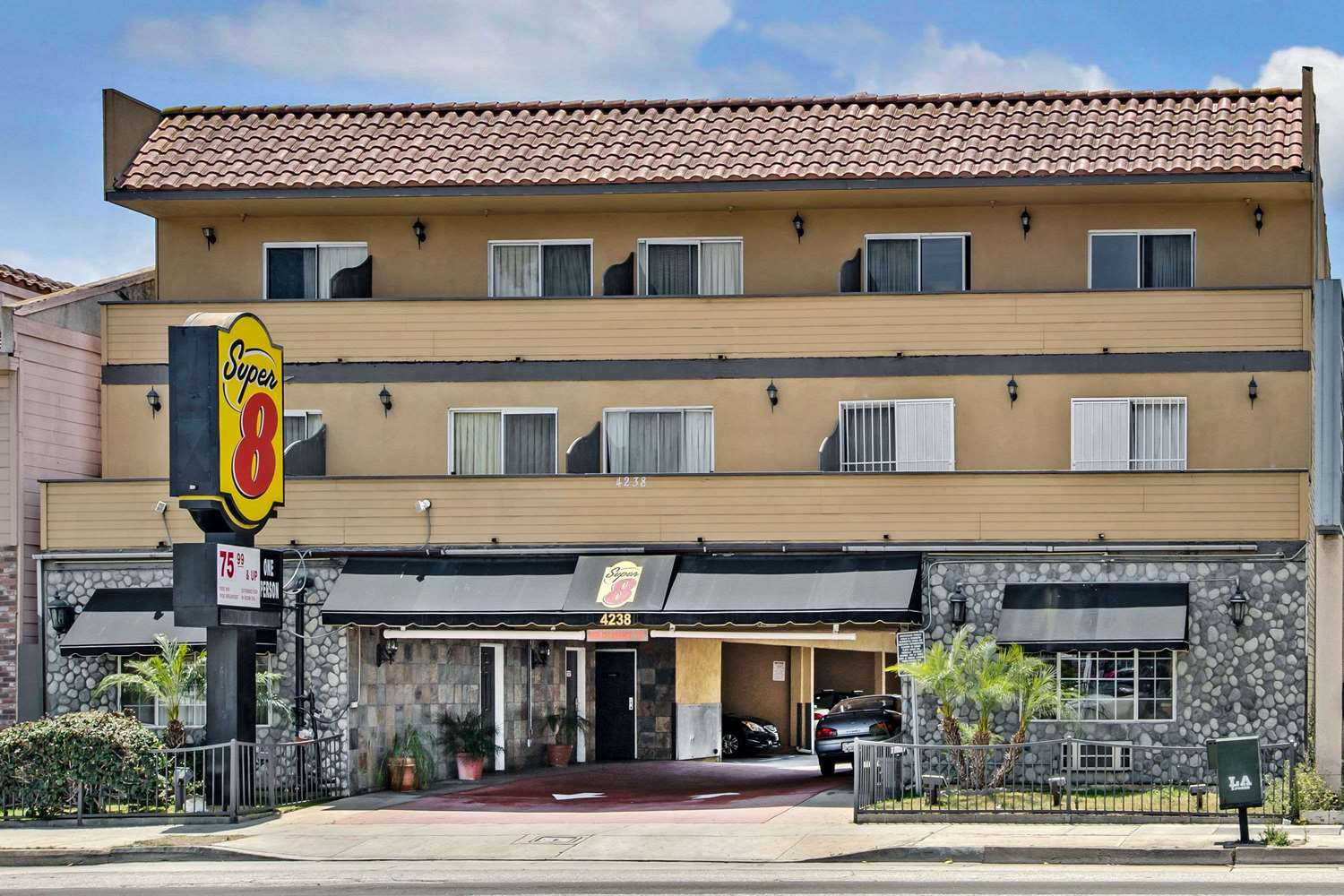 Exterior view - Super 8 Hotel LAX Airport Inglewood