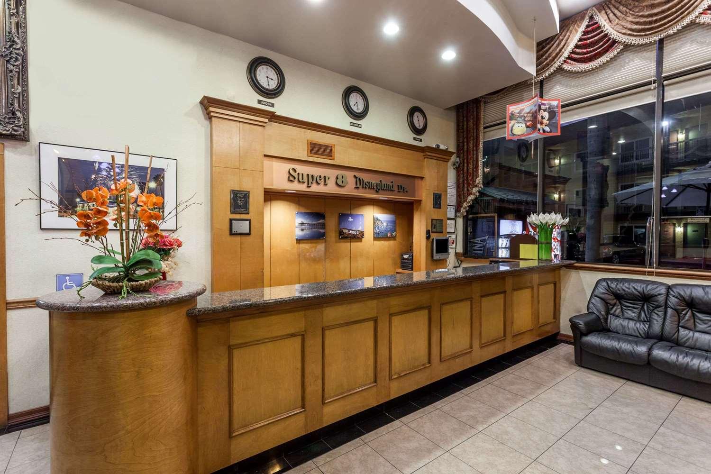 Lobby - Super 8 Hotel Disneyland Drive Anaheim
