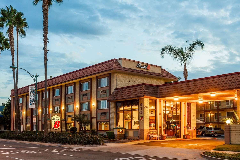 Exterior view - Super 8 Hotel Disneyland Drive Anaheim