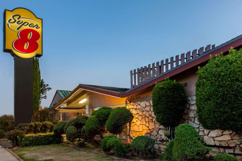 Exterior view - Super 8 Hotel Canoga Park