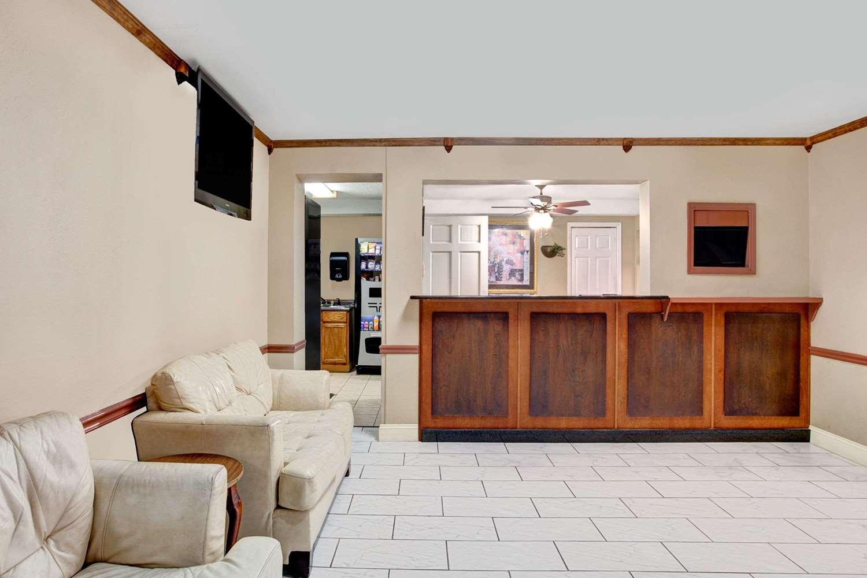 Lobby - Super 8 Hotel West Memphis