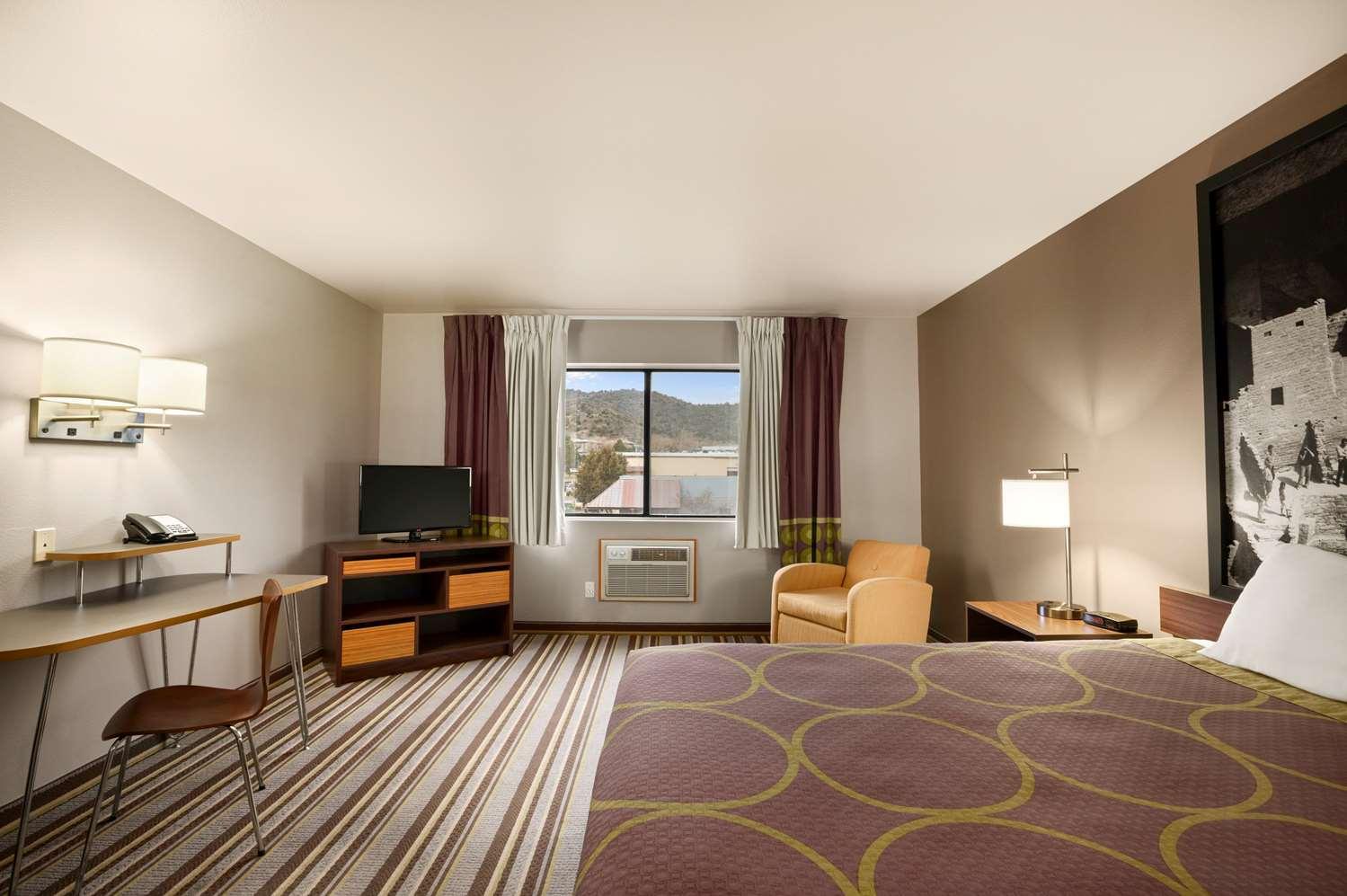 Room - Super 8 Hotel Durango