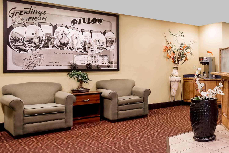 Lobby - Super 8 Hotel Dillon