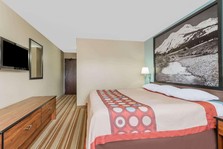 Room - Super 8 Hotel Dillon