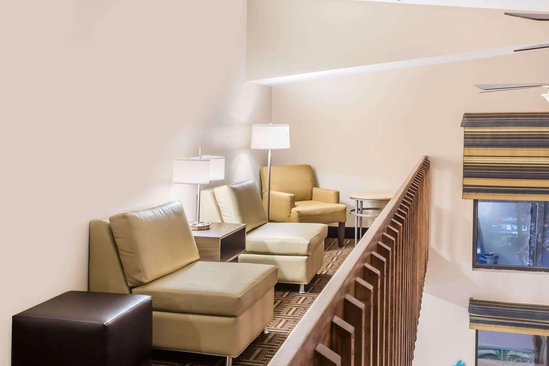 Lobby - Super 8 Hotel Longmont