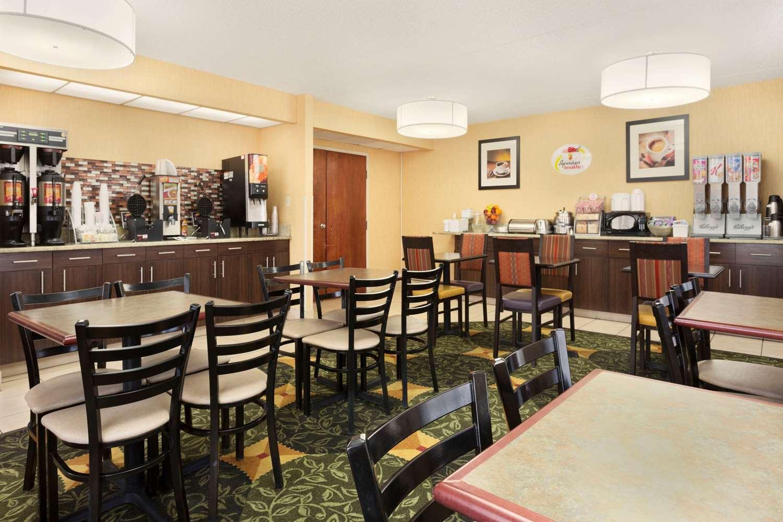 Restaurant - Super 8 Hotel Westminster