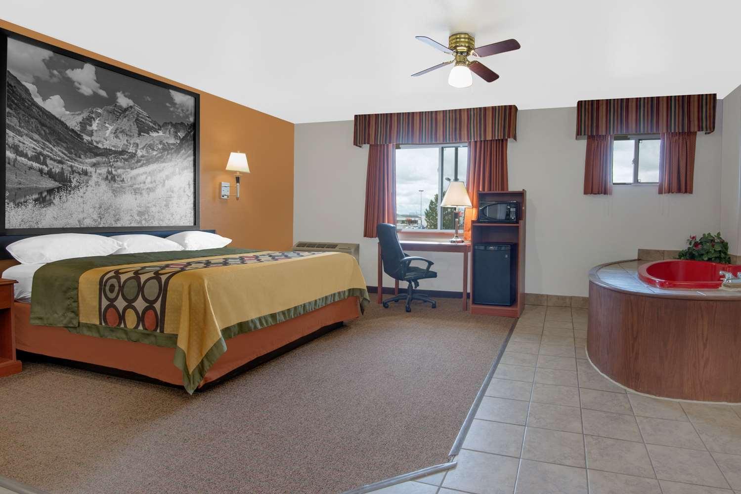 Suite - Super 8 Hotel Alamosa