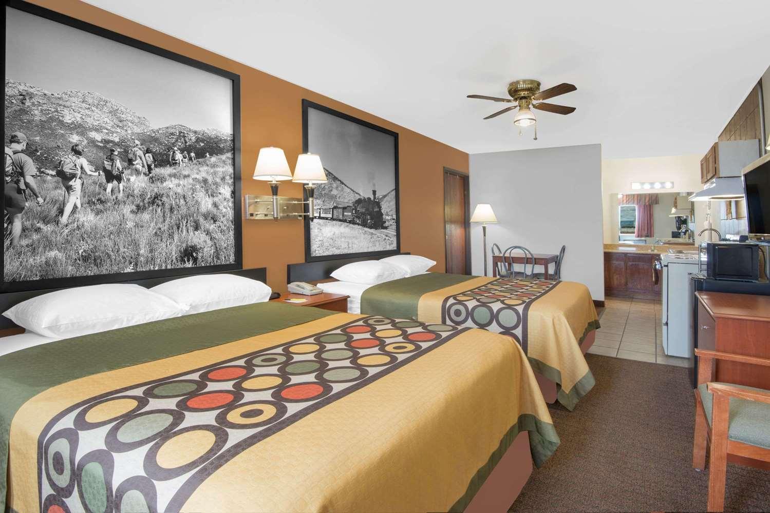 Room - Super 8 Hotel Alamosa