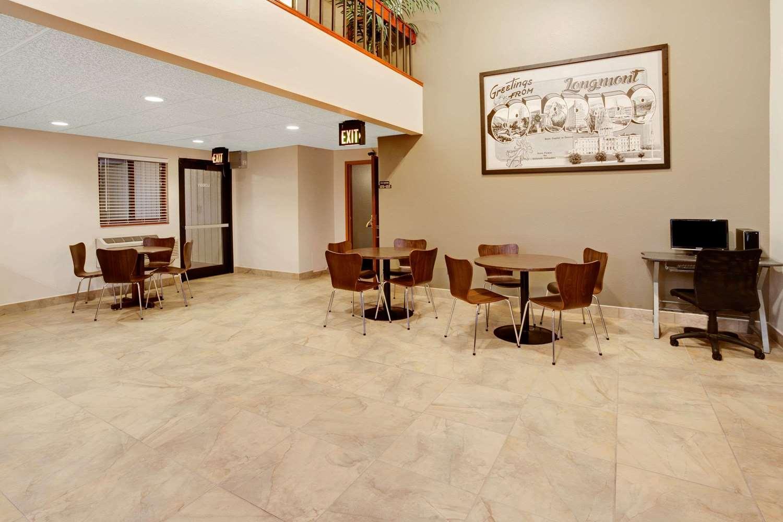 Lobby - Super 8 Hotel Del Camino Longmont