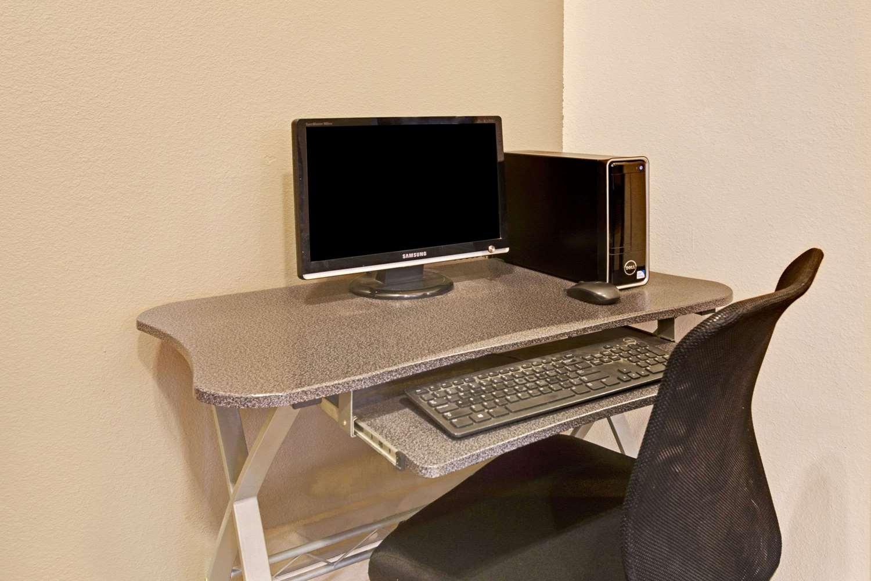 Conference Area - Super 8 Hotel Del Camino Longmont