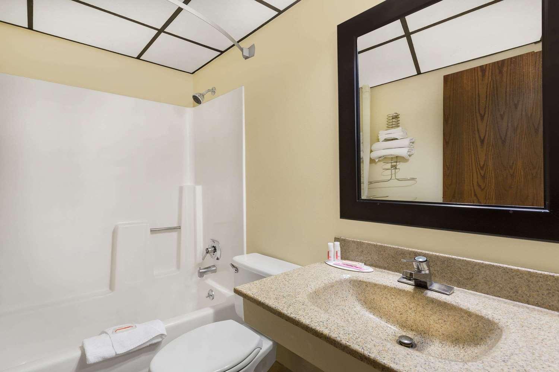 Room - Travelodge Fort Collins Loveland