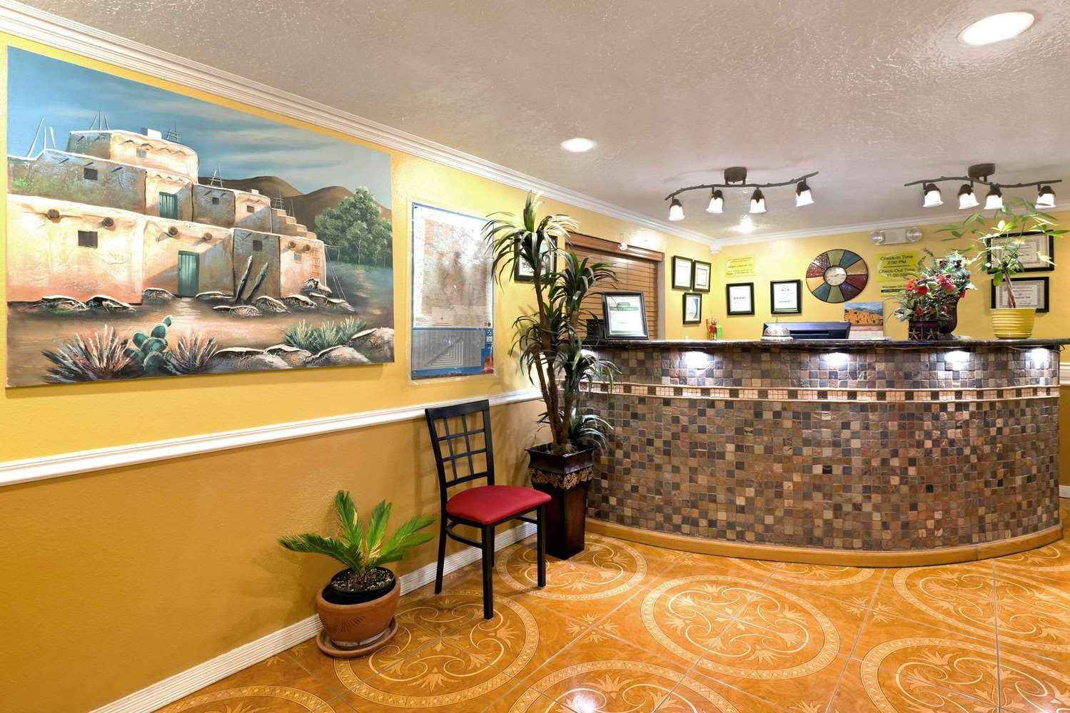 Lobby - Super 8 Hotel Alamogordo