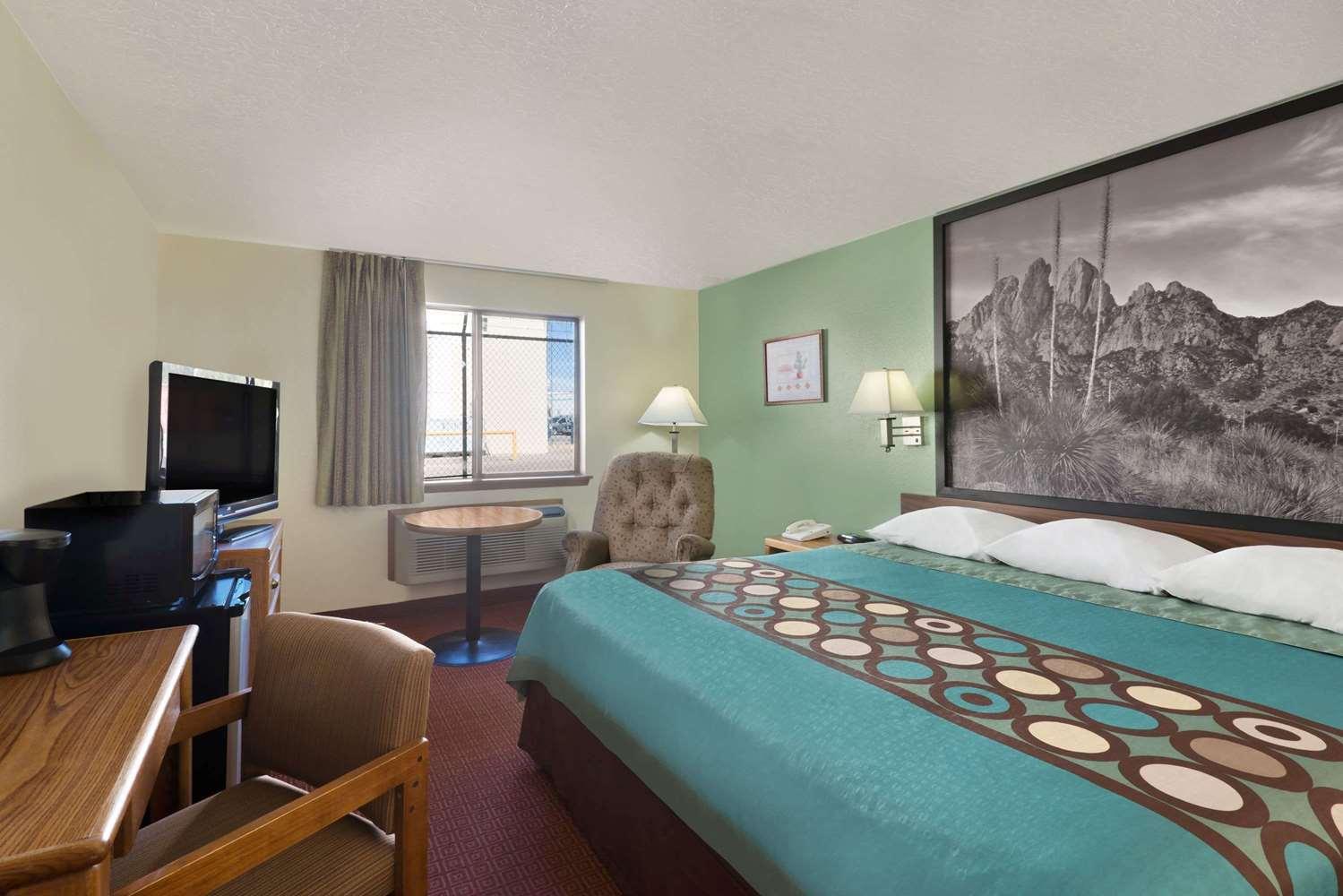 Room - Super 8 Hotel Alamogordo