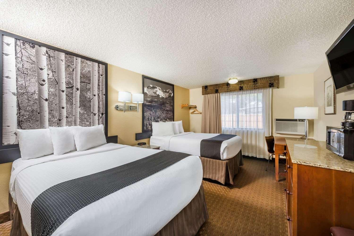 Room - Super 8 Hotel Canon City