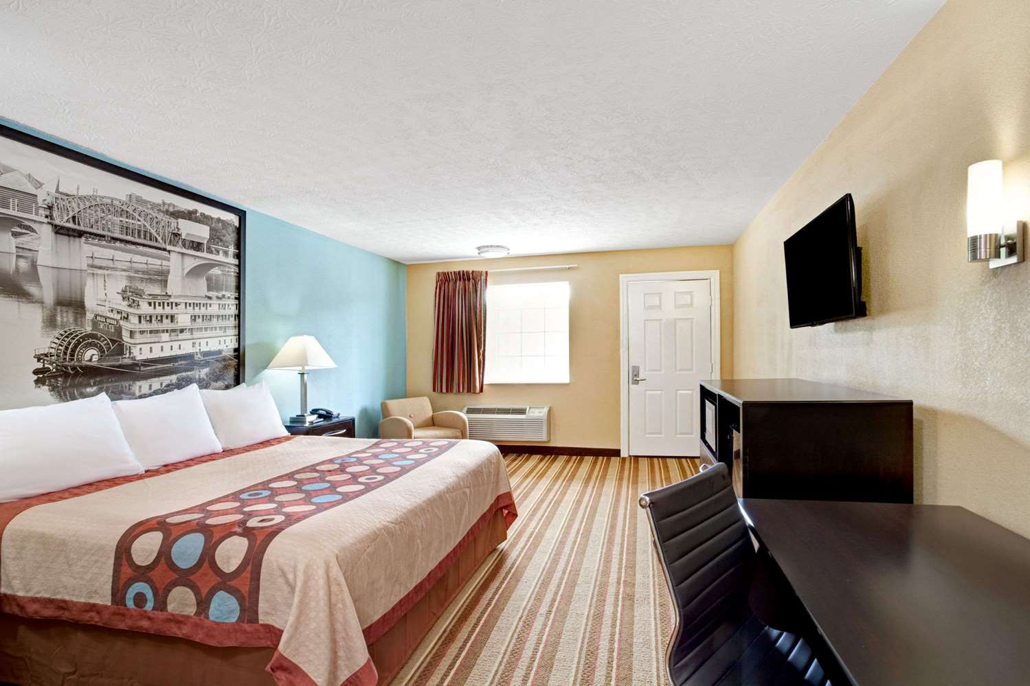 Room - Super 8 Hotel Whites Creek