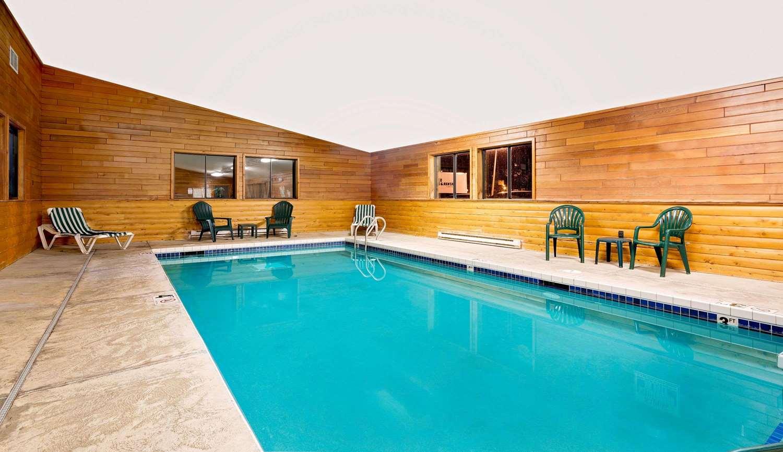 Pool - Super 8 Hotel Ashland