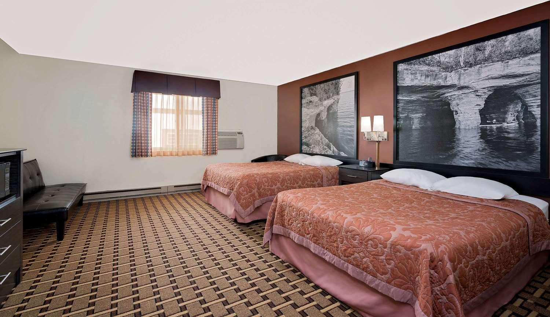 Suite - Super 8 Hotel Ashland