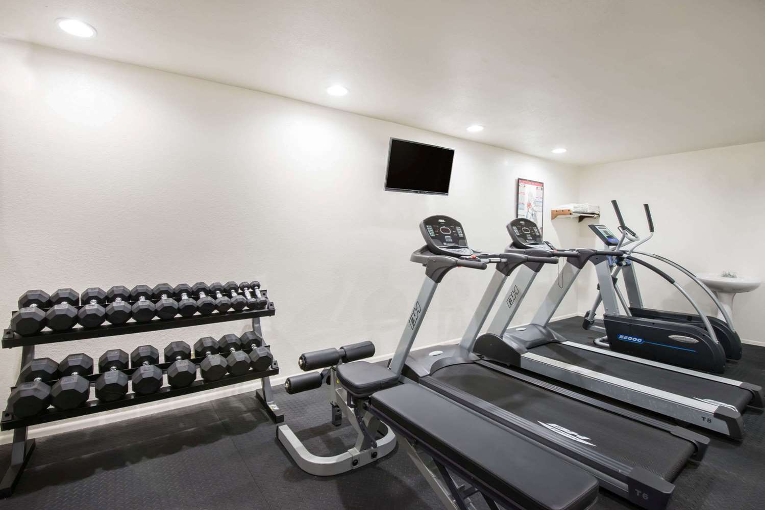 Fitness/ Exercise Room - Super 8 Hotel Colby