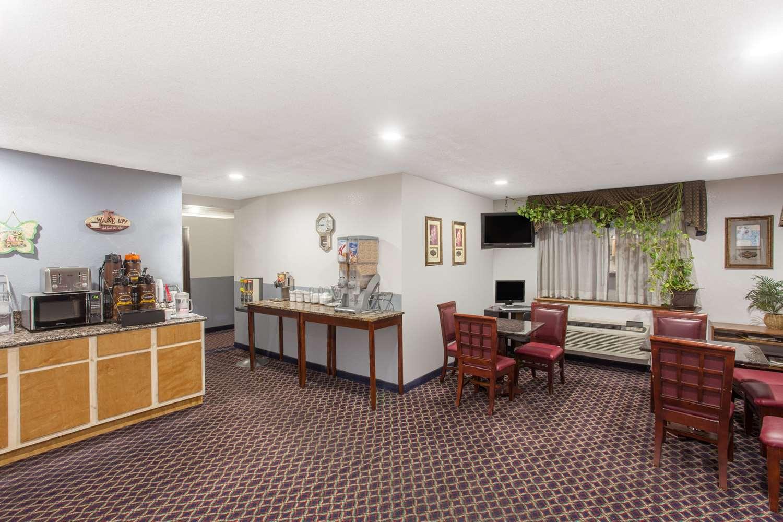 proam - Super 8 Hotel Selma