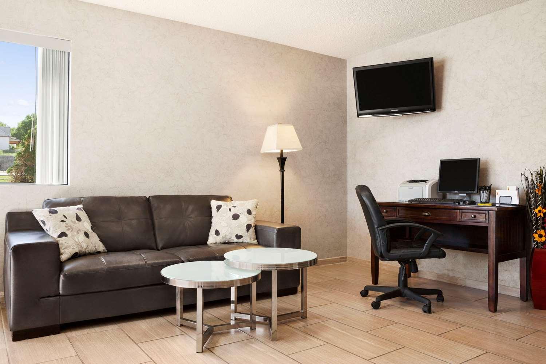 Lobby - Super 8 Hotel Concordia