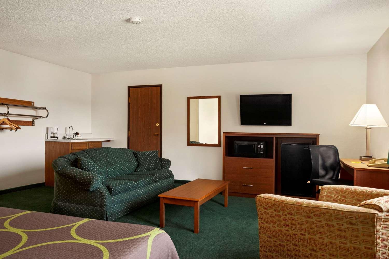 Suite - Super 8 Hotel Concordia