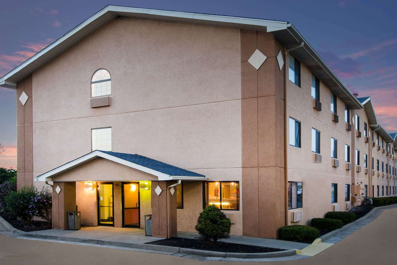 Super 8 Hotel Beckley, WV - See Discounts