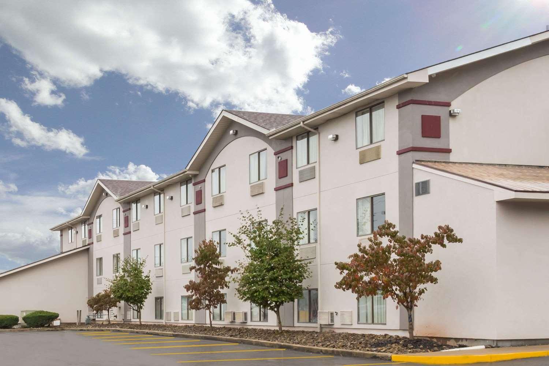 Exterior view - Super 8 Hotel Summersville