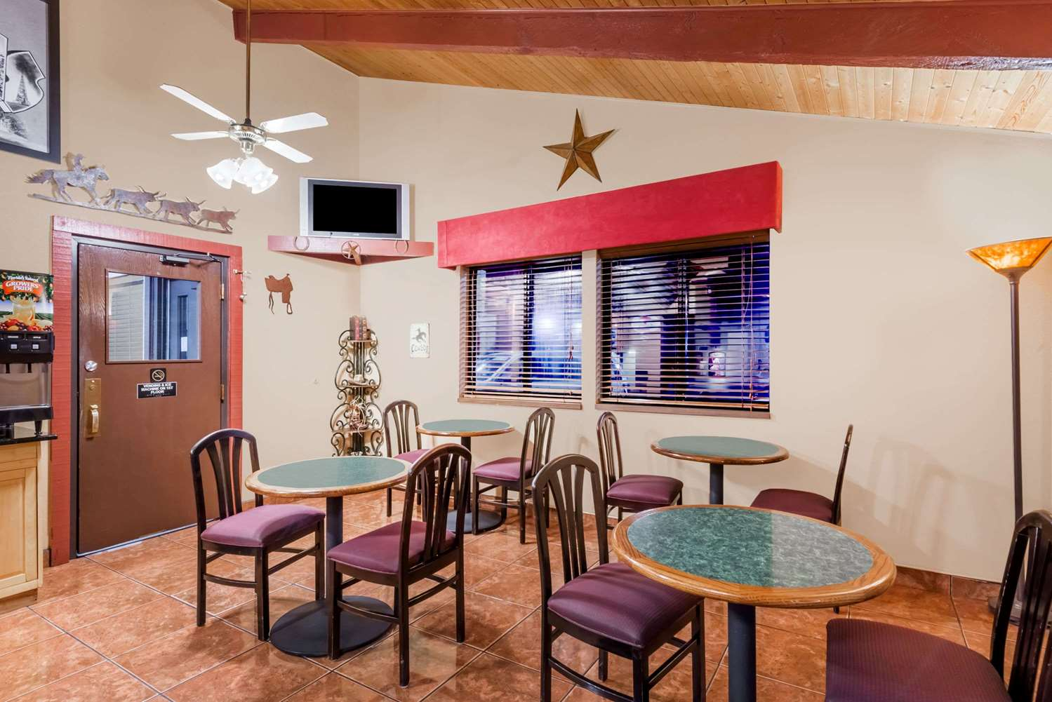 proam - Super 8 Hotel Dodge City