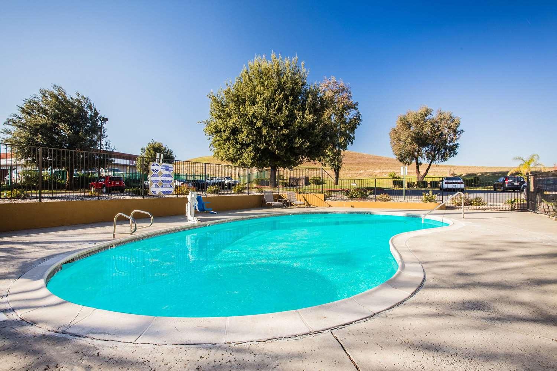 Pool - Super 8 Hotel Vacaville