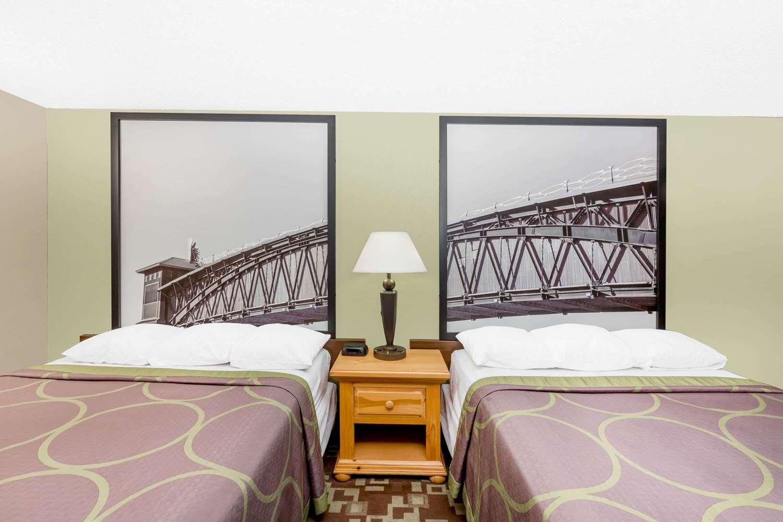 Room - Super 8 Hotel Kearney