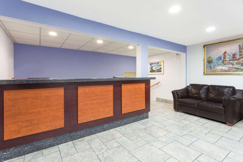 Lobby - Super 8 Hotel Pleasant Prairie