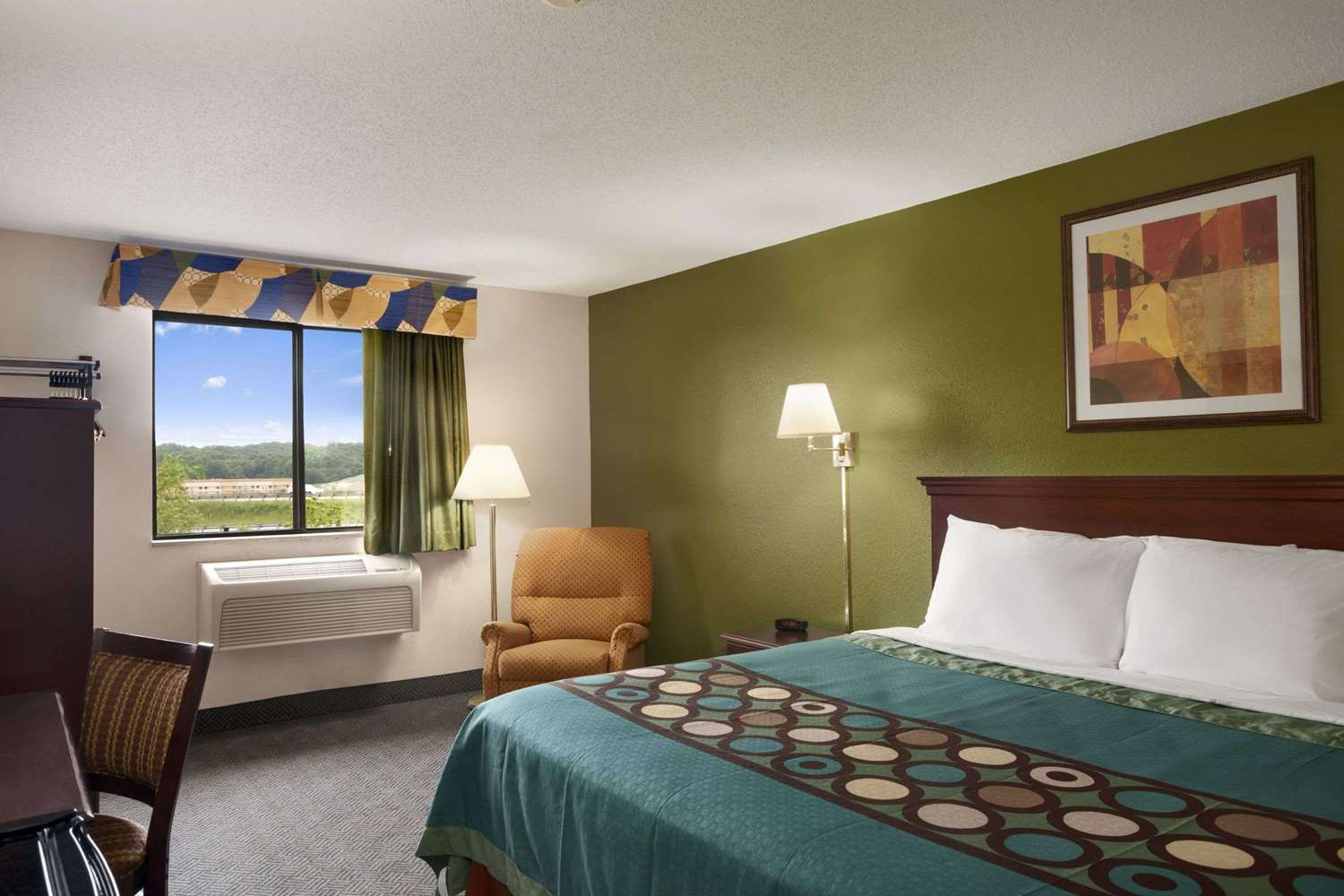 super 8 hotel mansfield oh see discounts. Black Bedroom Furniture Sets. Home Design Ideas
