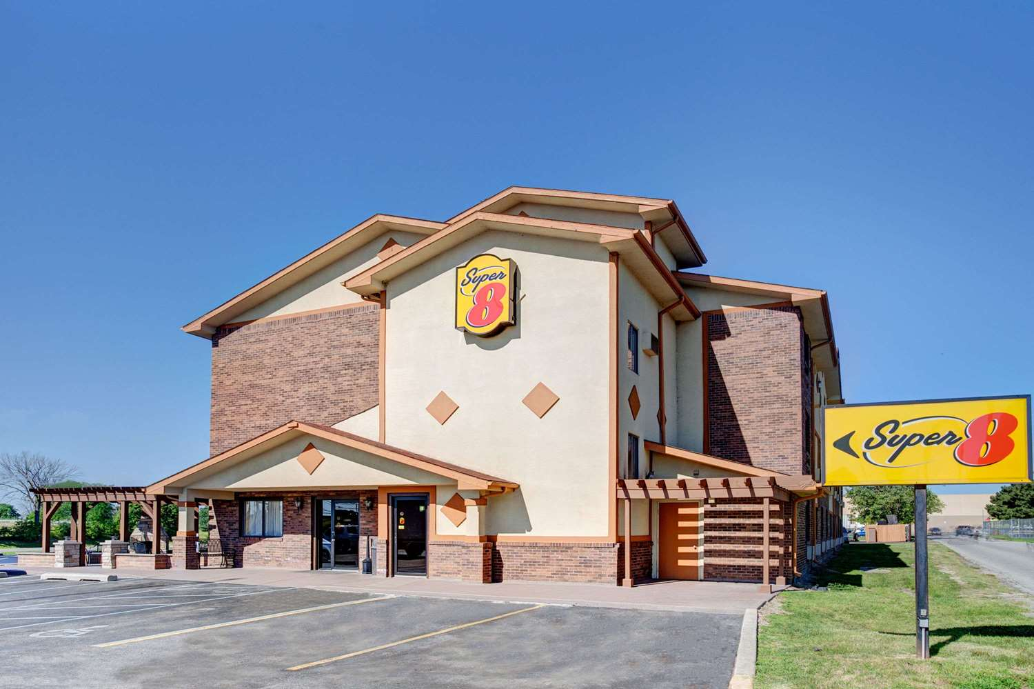 Exterior view - Super 8 Hotel Roseville