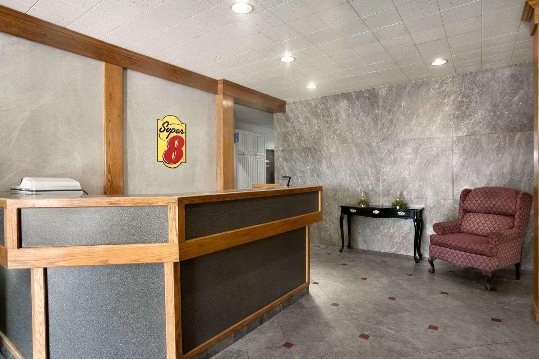 Lobby - Super 8 Hotel Sarnia