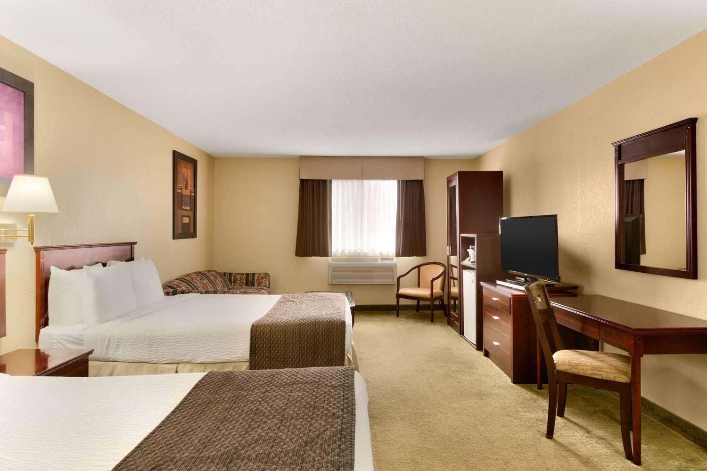 Suite - Days Inn Wallaceburg