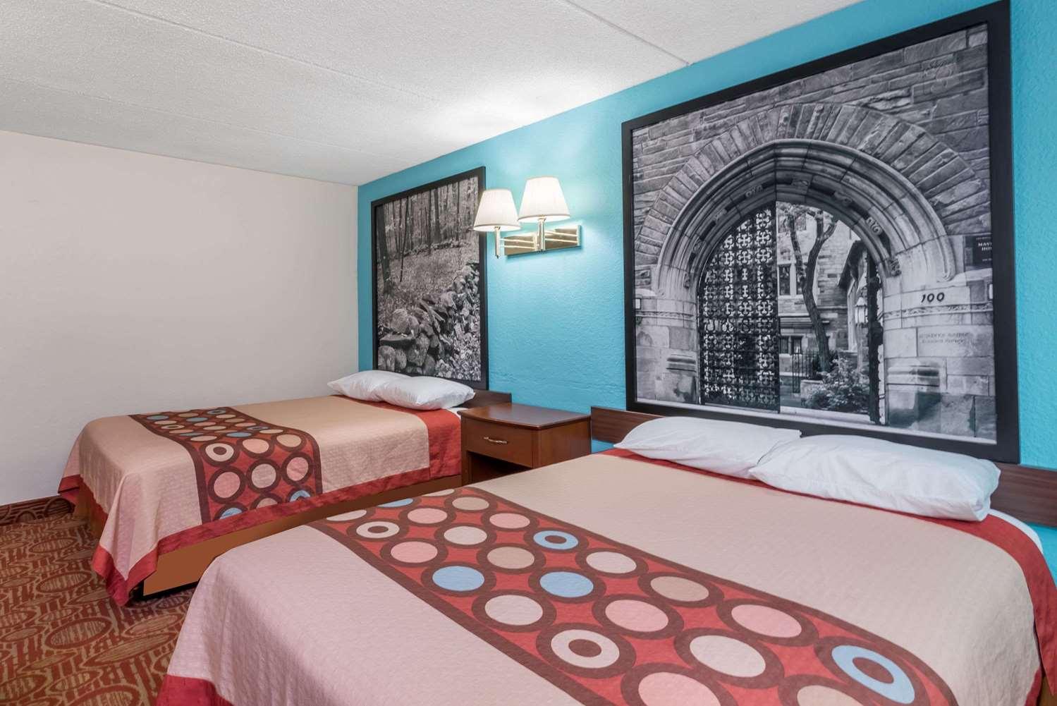 Room - Super 8 Hotel Danbury