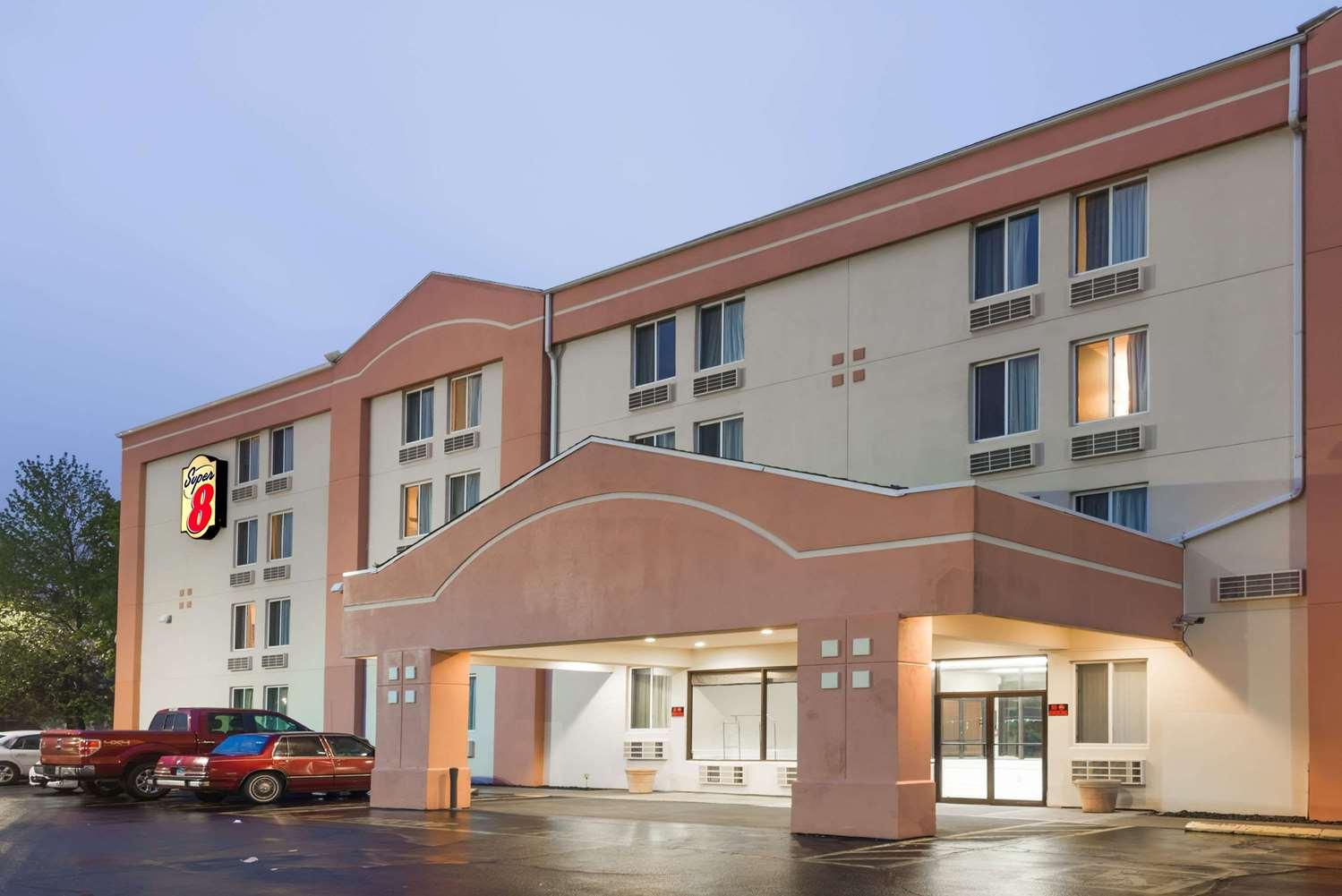 Exterior view - Super 8 Hotel Danbury