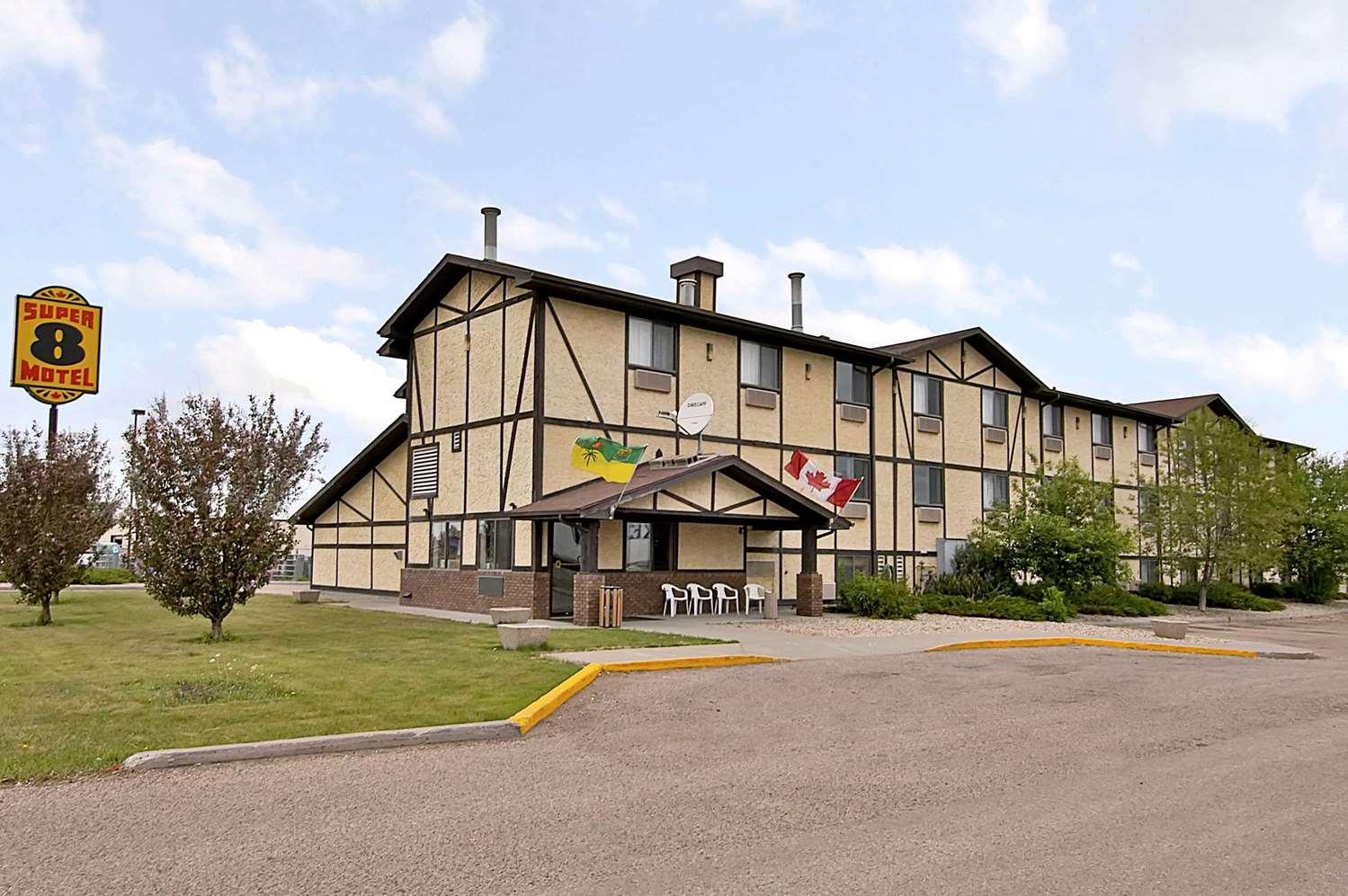 Exterior view - Super 8 Hotel Regina
