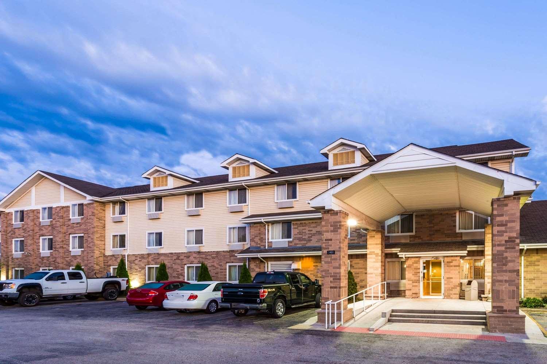 Exterior view - Super 8 Hotel I-55 North Joliet