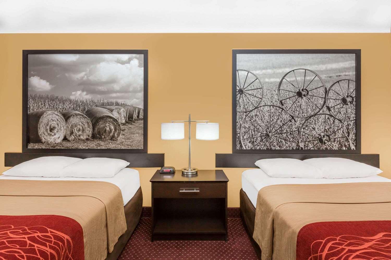 Room - Super 8 Hotel Ames
