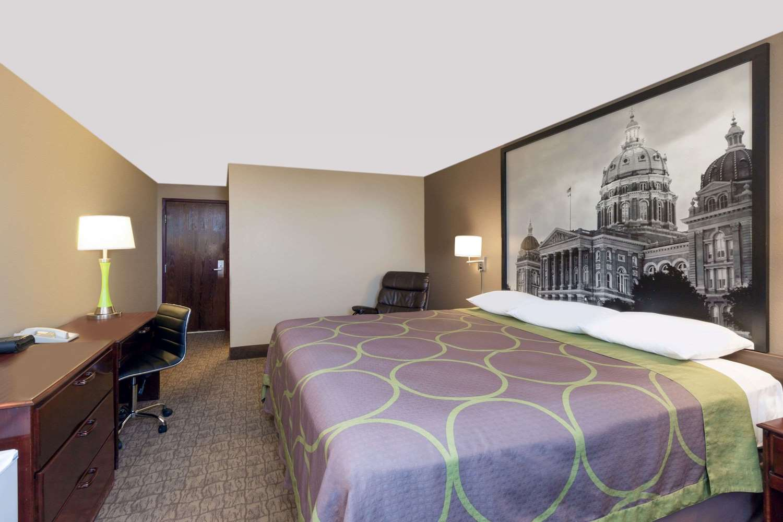 Room - Super 8 Hotel North Carroll