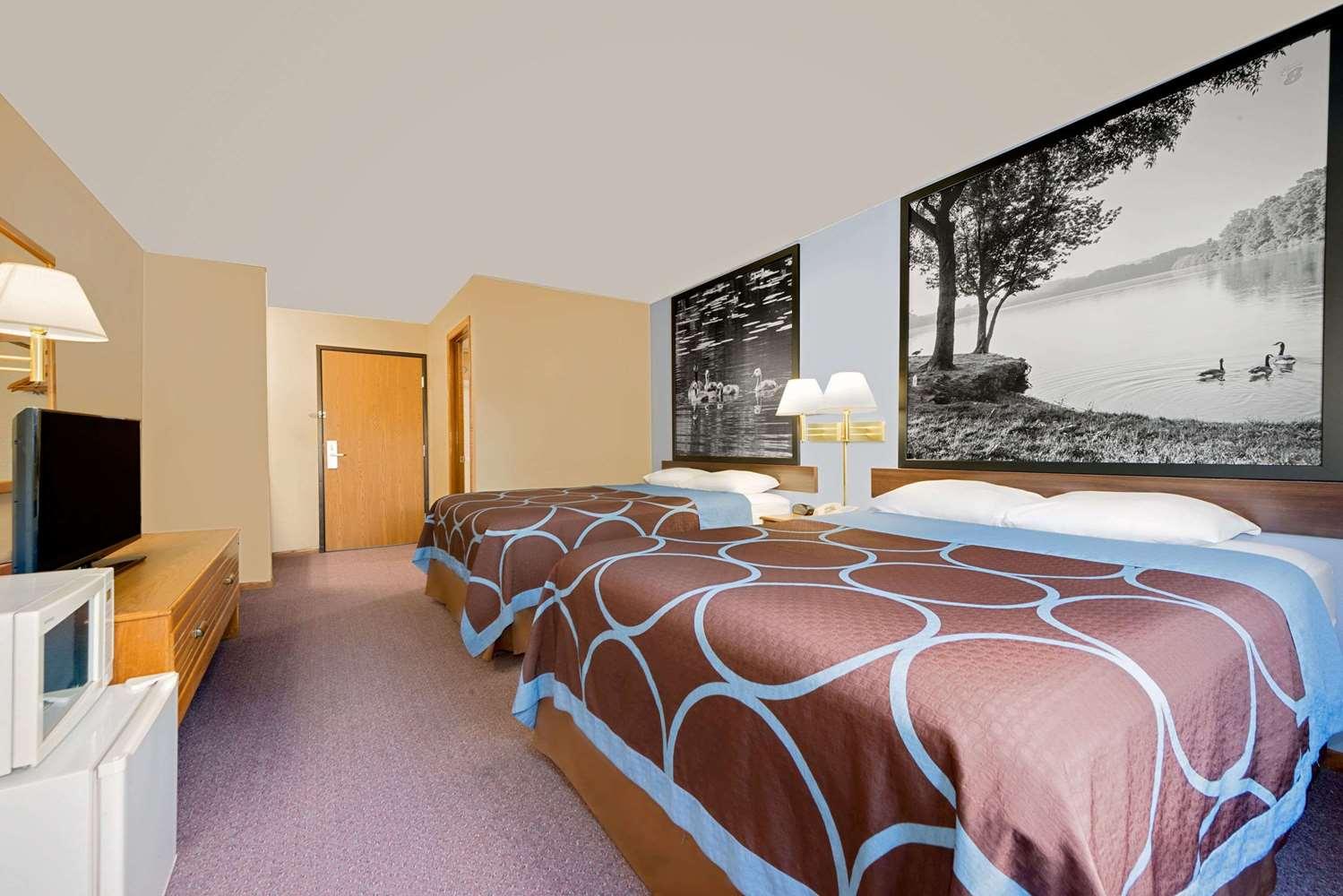Room - Super 8 Chariton