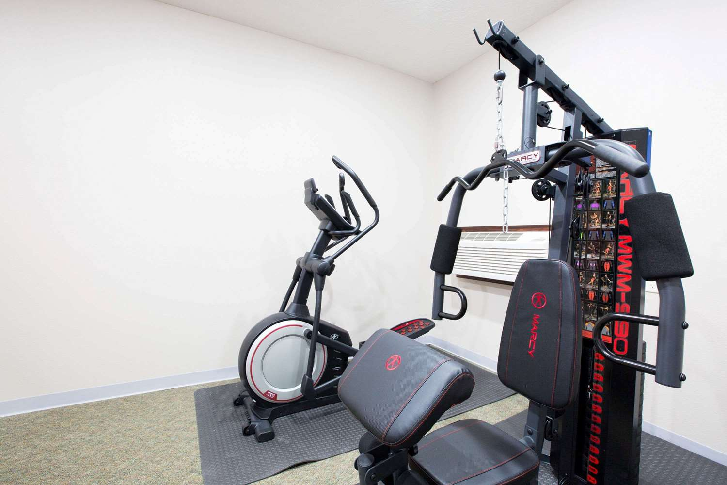 Fitness/ Exercise Room - Super 8 Hotel Sioux City
