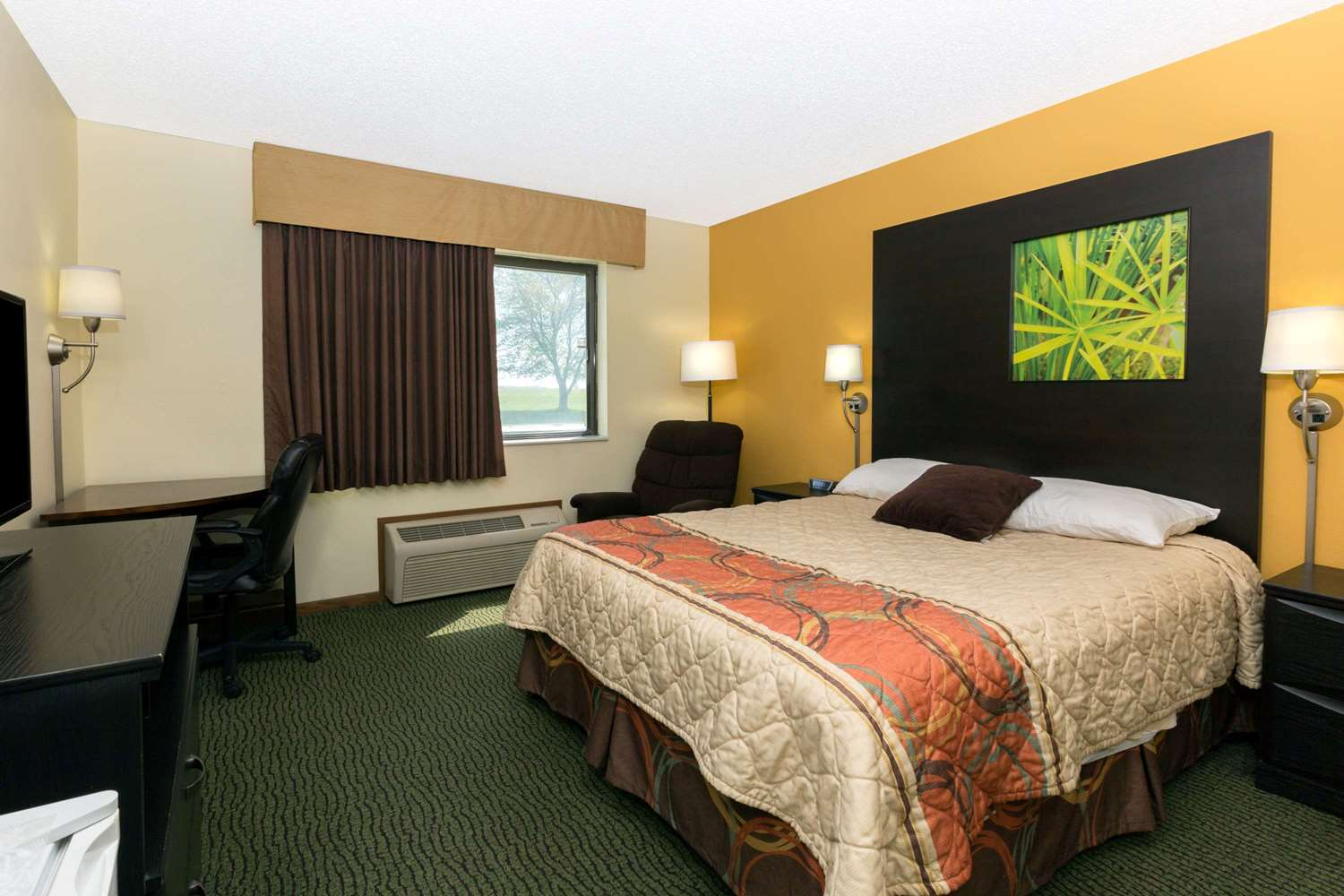 Room - Super 8 Hotel Perry