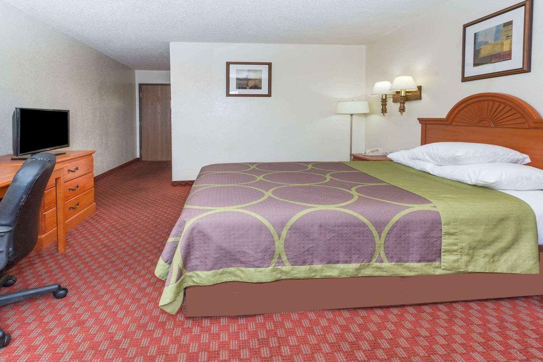 Room - Super 8 Hotel Air Force Academy Colorado Springs