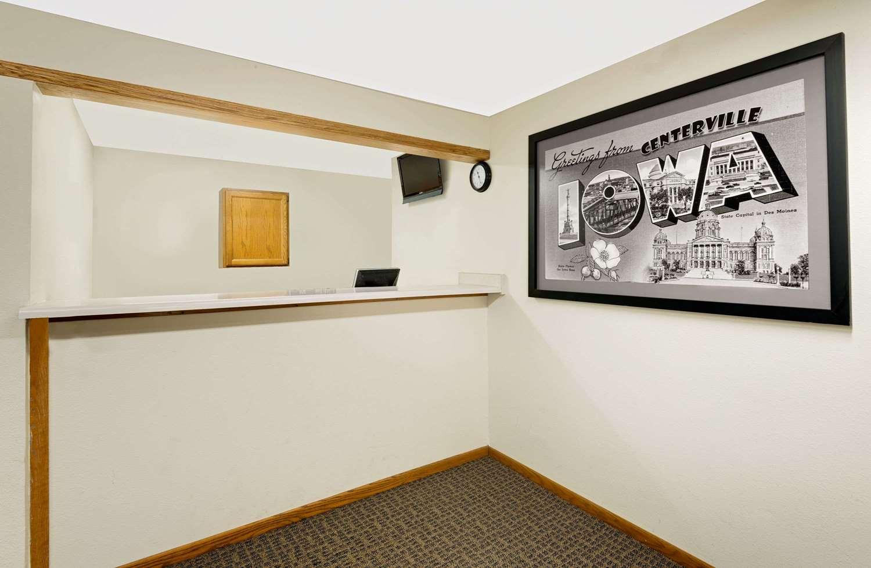 Lobby - Super 8 Hotel Centerville