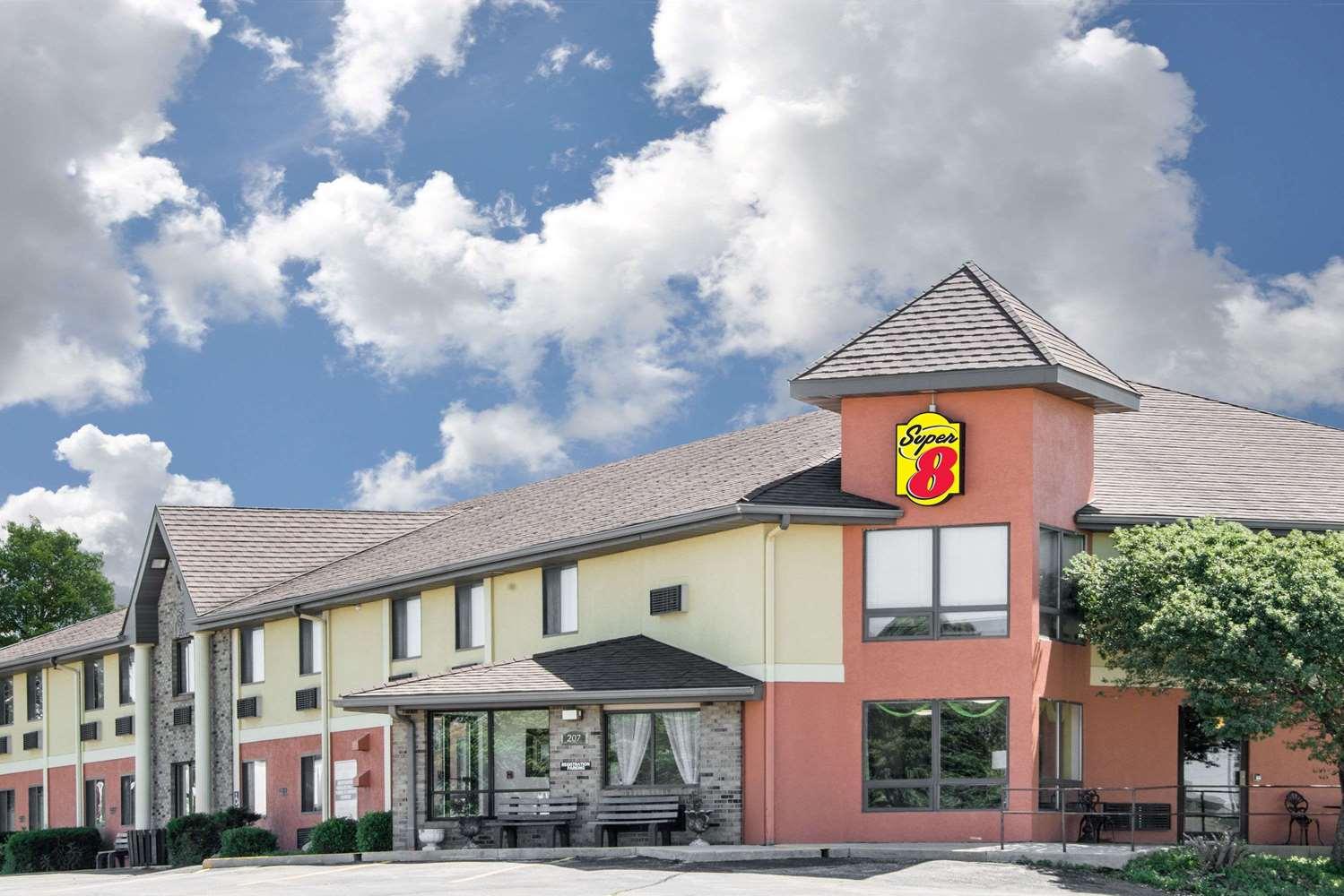 Exterior view - Super 8 Hotel Toledo