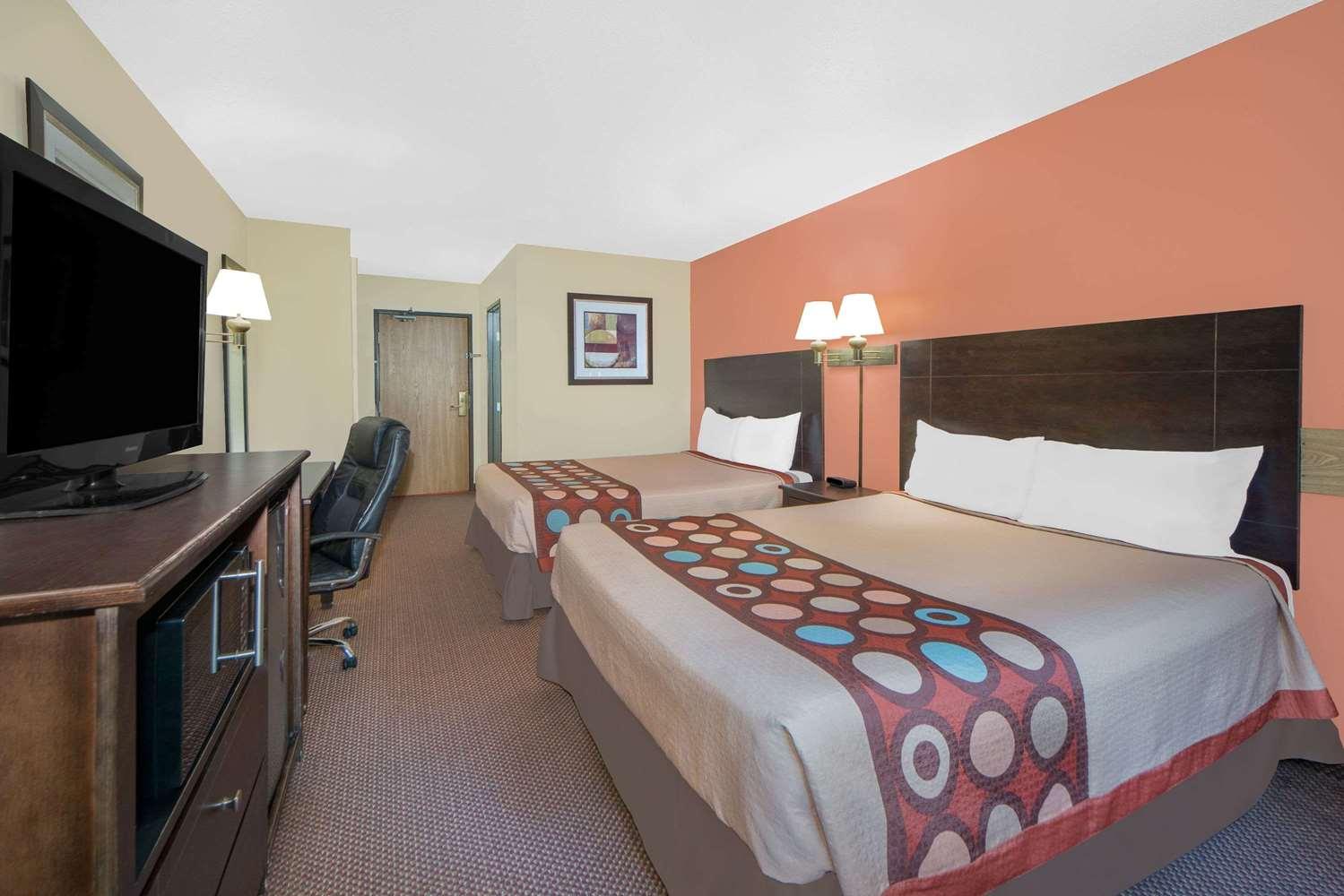 Room - Super 8 Hotel Ottumwa